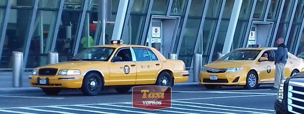 Это уже такси в Аэропорту Нью-Йорка: старье соседствует с новым бортом